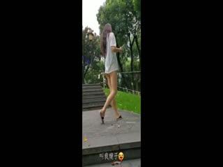 极品175九头身大长腿美女人妻,成都街头、公园露出露出,啪啪口口,跟她在成都的街头走一走第02集