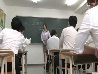 IQQQ-16声が出せない絶頂授業で10倍濡れる人妻教師岡村麻友子第01集