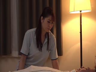 DANDY-705「独身中年オヤジを欲情させてしまった巨乳介護士は世話好き過ぎて第05集