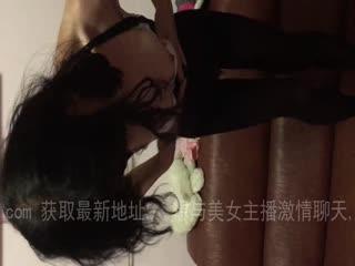 漂亮女友穿黑丝跳艳舞非常诱惑第01集